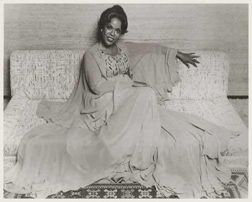 Della Reese Photo from the 1980's Original Black & White 8 x 10 Glossy Photo
